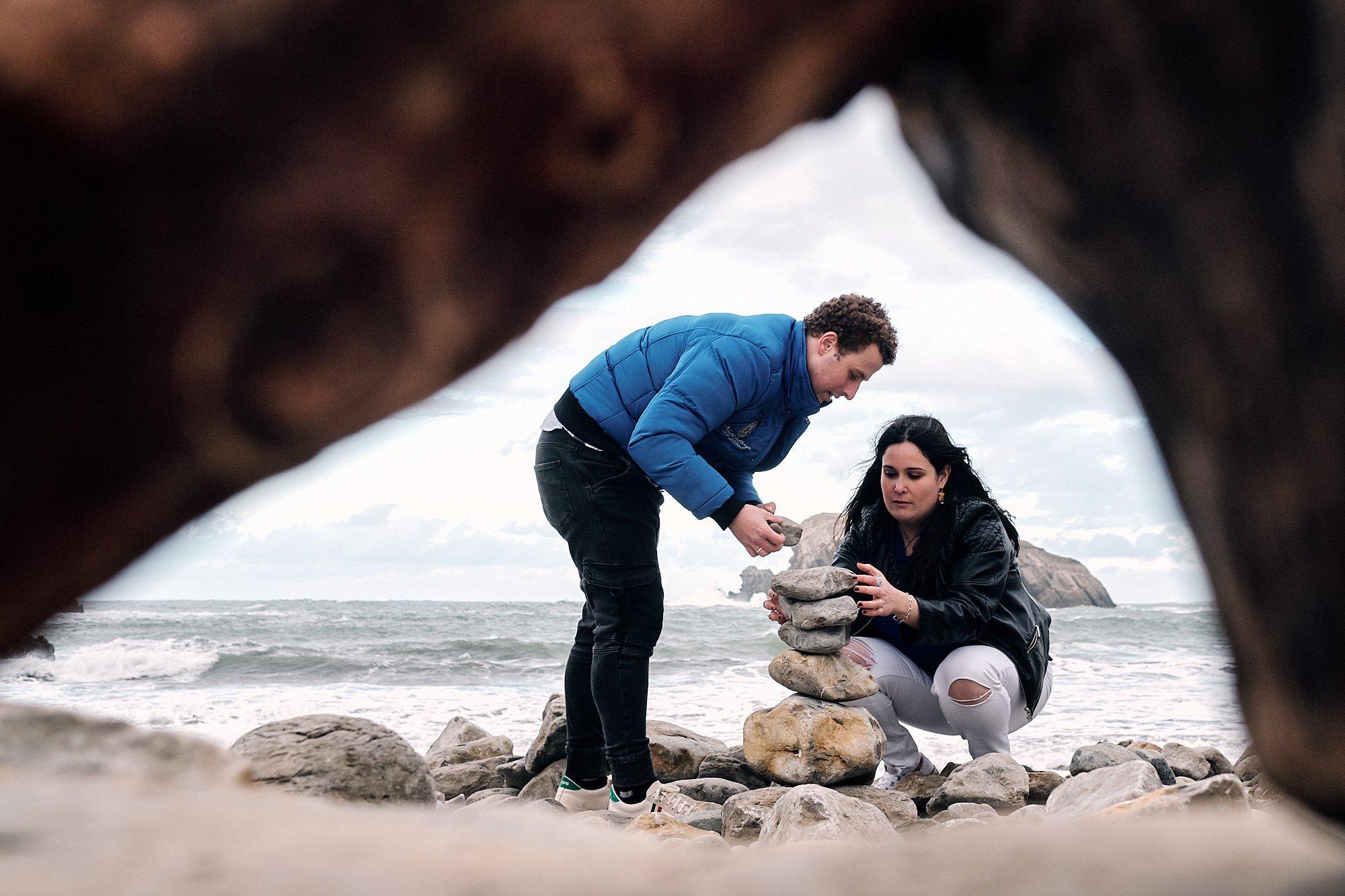 fotografo de Preboda en la Arnia fotos de pareja en la playa de cantabria