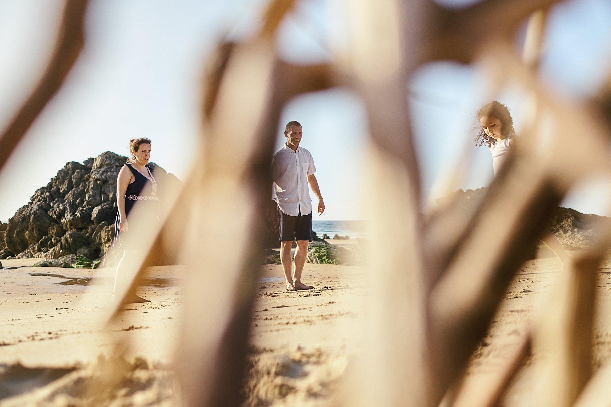 Preboda con niños en las playas de Cantabria Liencres